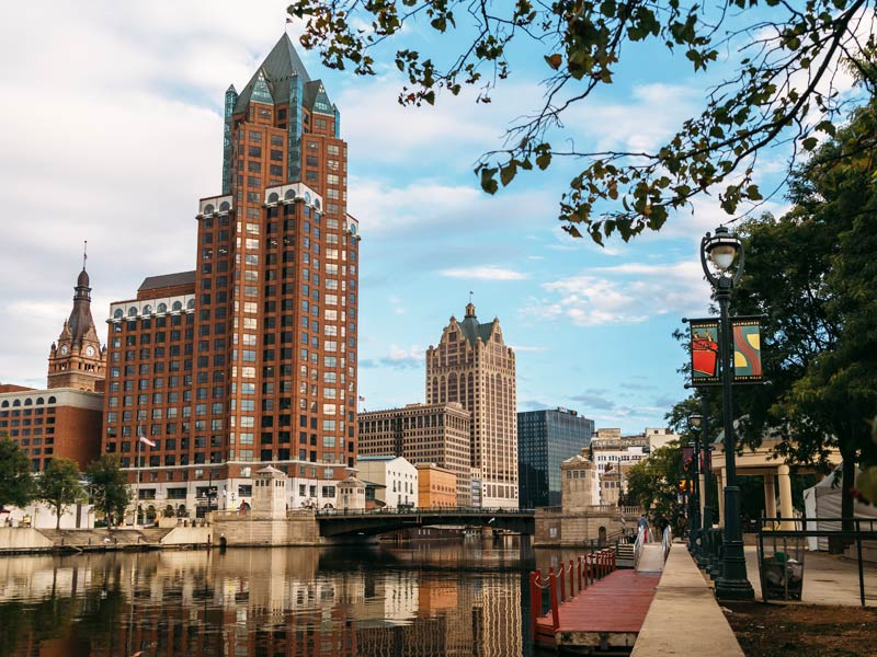 Milwaukee Riverwalk District