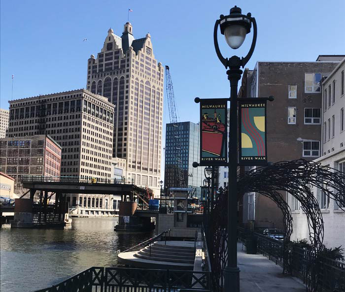 Sponsor the Milwaukee Riverwalk district